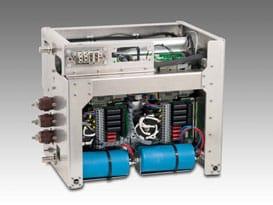 Batterieladegerät auf Flüssigkeitskühler für Bahnanwendung (EN50155)